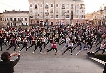 Викладачі БДМУ провели «Ранкову гімнастику» для чернівчан
