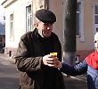 Студенти розповідали чернівчанам про імунітет та пригощали шипшиновим чаєм