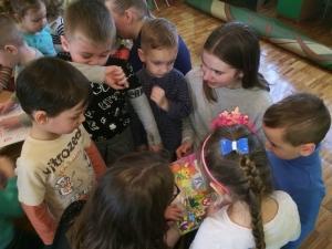 """Студенти Коледжу БДМУ презентували вихованцям ДНЗ """"Віночок» книги"""