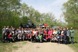 Студенти та викладачі прибрали 2000 м. берега р. Прут