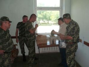 Співробітники БДМУ передали військовим аптечки