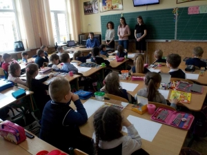 Студенти БДМУ розповіли маленьким школярам про музикотерапію