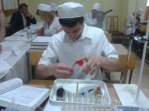 На фармацевтичному факультеті проведено практично-орієнтовані іспити