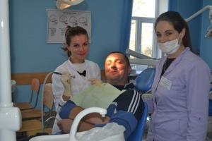 Університетська стоматологічна клініка допомагає військовослужбовцям