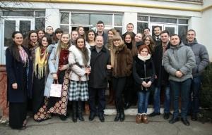 Студенти БДМУ привітали зі святами мешканців геріатричного пансіонату