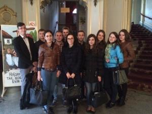 Куратори зі студентами відвідали театр