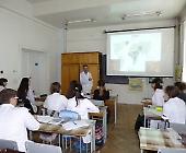 На кафедрі мікробіології провели консультацію для школярів